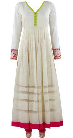 Ivory kurta set by MANISH MALHOTRA. Shop at https://www.perniaspopupshop.com/whats-new/manish-malhotra-5978