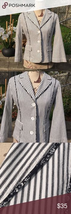 ✅Offers Welcome Ann Taylor Loft Striped Blazer 10 NWOT Ann Taylor Loft Striped Blazer Size 10•99 % Cotton and 1% Spandex • True To Size• trimmed in navy Floral trim Ann Taylor Loft Jackets & Coats Blazers