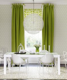 Green and white dining room-Bold, graphic prints add a retro flavour to this modern dining room. Floor length curtains add drama and a white dining table and chairs keep the scheme feeling fresh. Yellow Dining Room, Dining Room Colors, Dining Room Design, Dining Rooms, Dining Table, Modern House Design, Modern Interior Design, Home Design, Green Curtains