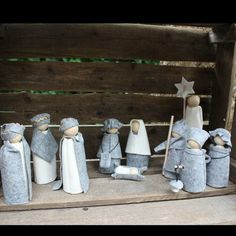 Simple Nativity - image only; cannot find the post on Hola Mama link. Inspiration for a project.