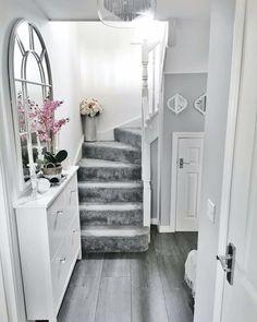Home Decor Kitchen, Home Decor Bedroom, Home Living Room, White House Interior, Home Interior Design, Grey And White Hallway, Bright Hallway, Hallway Designs, Hallway Ideas