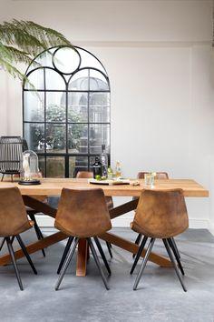 Eetkamerstoel Dott is gemaakt van outdoor leer en heeft de kleur Cognac. Dining Room Design, Dining Room Decor, Minimalist Dining Room, Dining Corner, Dining Table Chairs, Small Bedroom Ideas For Couples, Cosy House, Dining Room Style, Farmhouse Decor Living Room
