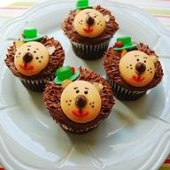 """Everyone's favorite prickly toy from Toy Story 3 comes to life in these fun cupcakes. Kids will love making the frosting """"quills"""" and creating a cute cookie face. Toy Story Cupcakes, Kid Cupcakes, Cupcake Cookies, Alien Cupcakes, Nilla Cookies, Animal Cupcakes, Cakepops, Cupcake Recipes, Baking Recipes"""