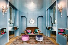 French jewelry designer Marie-Hélène de Taillac opens her first NYC store for her high-end baubles, usually found in luxe retailers such as Barneys New York. Interior Windows, Interior And Exterior, Exterior Design, Midcentury Eclectic, Architecture Restaurant, Nyc, Interior Design Inspiration, Furniture Inspiration, Retail Design