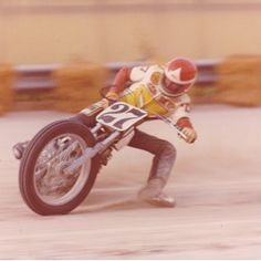 The legend - Skip Aksland at Louisville Downs, '76. Some insane shots on his IG, strongly suggest a follow if you dig this. @skipaksland (at The Selvedge Yard)