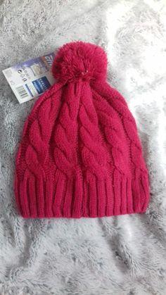 06506178c6a5a Bonnet de couleur rose fushia et de laine très épaisse. Il tient donc bien  chaud. Vinted