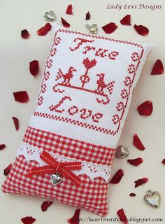 Heart in Stitches: Valentine Stitching and a Freebie!