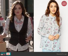 Aria's novelty balloon and speech bubble printed shirt on Pretty Little Liars.  Outfit Details: http://wornontv.net/44757/ #PLL