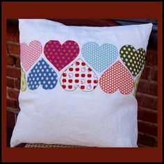 Sewing Crafts, Sewing Projects, Diy Pillow Covers, Cushion Cover Designs, Sewing Pillows, Valentine Day Crafts, Quilt Patterns, Applique, Embroidery Designs