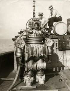 1920's diving suit #history #twitterstorians