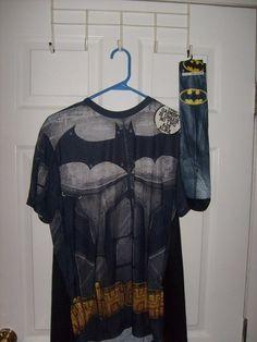 5efddd7ee79 DC BATMAN SHORT SLEEVE MEN S MEDIUM COSPLAY COSTUME T SHIRT REMOVABLE CAPE  SOCKS  SPENCERS  GraphicTee