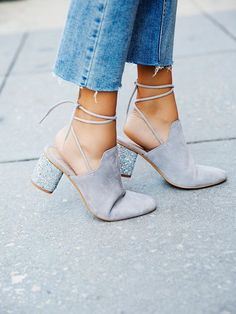 Shoe obsession, chunky heels, mule style, ankle ties, suede shoes, #suedestyle #springstyle #greyshoes