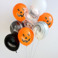 Halloween balloons. These are too cute and creative. The perfect decoration for any Halloween party!
