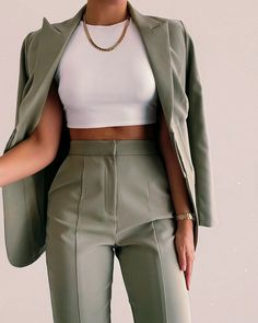 Glamouröse Outfits, Teen Fashion Outfits, Cute Casual Outfits, Stylish Outfits, Female Outfits, Suit Fashion, Look Fashion, Vetement Fashion, Elegantes Outfit