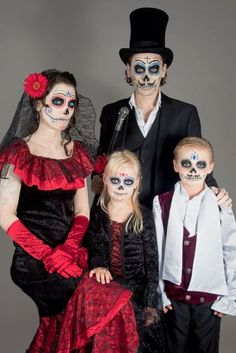 Día de los Muertos Make-up - Schminkanleitung für Halloween Día de los Muertos Make-up Frau - Halloween. Halloween 2018, Scary Halloween Costumes, Halloween Skull, Cute Halloween, Holidays Halloween, Halloween Makeup, Fantasias Halloween, Family Costumes, Kids Costumes Boys