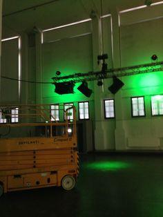 Valojen testausta. Teemaväri vihreä!