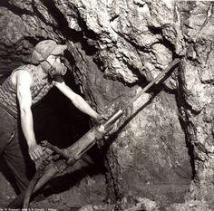 Sardegna Miniere, Montevecchio:perforatore al lavoro.