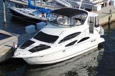 2006 Cruisers Yachts 385 Motoryacht  2006 Cruisers Yachts 385 Motor Yacht, Bow & Stern Thrusters  Beautiful Boat, full canvas, Two Bath, 5 Beds, Icemaker