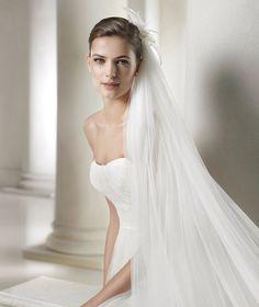 Calais wedding dress from the Fashion 2015 - St Patrick collection 2015 Wedding Dresses, Wedding Dress Styles, Wedding Gowns, San Patrick, Bridal Beauty, Getting Married, One Shoulder Wedding Dress, Bridesmaid, Fashion 2015