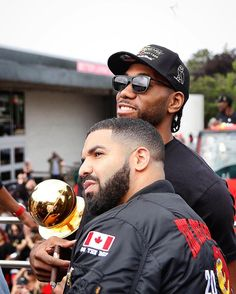 [New] The 10 Best Fashion Ideas Today (with Pictures) - King of Toronto Raptors. or OVO? Today At BluCloud Girl Power Songs, Rap Us, Drake Photos, Best Rap Songs, Drake Drizzy, Drake Graham, Jordan Swag, Aubrey Drake, Nba Pictures