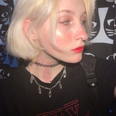 Grunge Makeup, Grunge Hair, Pretty Face, Septum Ring, Piercings, Hair Color, Chokers, Style, Fashion