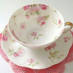 pretty tea cup very shabby chic . Cuppa Tea, China Tea Cups, Teapots And Cups, My Cup Of Tea, China Patterns, Tea Cup Saucer, Tea Time, Shabby Chic, Antiques