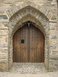medieval castle doors. This would be the perfect home for you.. if only the walls were covered in ivy. @Suzanne, with a Z, with a Z, with a Z, with a Z Jacobson' Bertke   ..rh