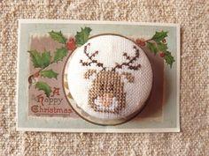"""gros bouton brode  le  renne du  père noèl en vente dans ma boutique """"""""l'atelier de cathy sur alittlemarket"""""""""""