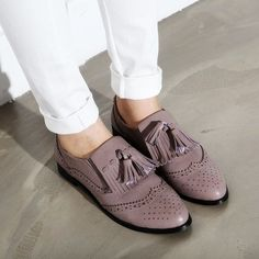 I love Oxford shoes! Don't you? For more posts follow herstyles1.com