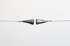 Michal Smandek, Tensor, 2014, sculpture (magnetic field, aluminum, string, steel)