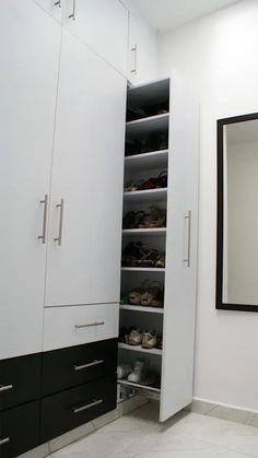 Wardrobes and closets: 10 ideas to organize your clothes! Hall Wardrobe, Wardrobe Door Designs, Wardrobe Design Bedroom, Closet Designs, Closet Bedroom, Bedroom Cupboard Designs, Bedroom Cupboards, Dressing Room Design, Closet Layout