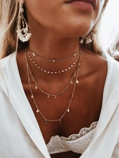 Looking for simple and cheap Necklaces? you are in the right place, Check now to discover New Necklaces for giving to your personality fashion Touch and Modern Look. Dainty Jewelry, Cute Jewelry, Jewelry Accessories, Fashion Accessories, Fashion Jewelry, Summer Accessories, Simple Jewelry, Accesorios Casual, Mode Inspiration