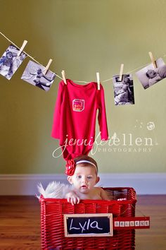 Best Gift Ever - Christmas photo. #Newborn #Photography #Christmas #Cards