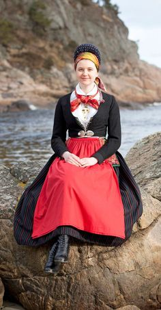 Scandinavian Folklore: Dress from Vest-Agder, Norway Traditional Fashion, Traditional Dresses, European Costumes, Costumes Around The World, Folk Clothing, Folk Fashion, Everyday Dresses, Folk Costume, Beautiful People