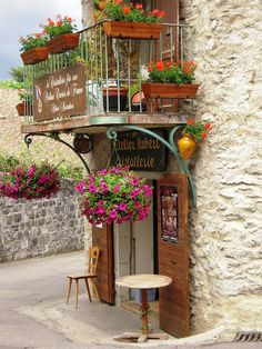 Atelier d'Art a Yvoire by arican, Yvoire, Rhone Alpes via TrekEarth # Pinterest++ for iPad #