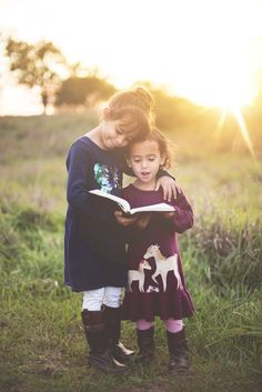 Choosing an excellent babysitter to hire can be overwhelming. Read on to learn things to keep in mind before looking for a babysitter. Audio Books For Kids, Kids Reading Books, Student Reading, Teaching Reading, Jean Piaget, Spiritual Development, Hypnotherapy, Friend Photos, Second Child