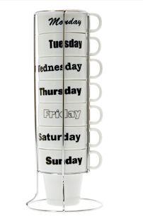 Para los amantes del café, un juego de tazas. Una taza para cada día de la semana. Power Strip, Geek Stuff, Amor, Mugs Set, Coffee Lovers, Geek Things