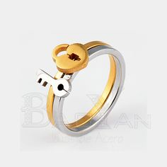e507d146a6bd llave y cerradura anillo para pareja conjunto de dos piezas dorado y  plateado en… Anillos
