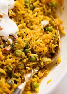 A really great Curried Rice that won't disappoint! This basmati rice recipe is flavoured with curry powder plus extra spices to to give it great flavour. Basmati Rice Recipes, Chili, Salmon Curry, Pan Fried Fish, Flavored Rice, Fast Metabolism Diet, Metabolic Diet, Recipetin Eats, Indian Food Recipes