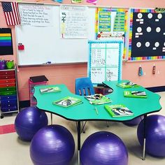 I absolutely love this space in @speciallittlelearners classroom. The alternative seating is awesome. I love being able to take a peek inside other teachers classrooms! #earlycorelearning