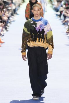 Louis Vuitton Spring 2019 Menswear Fashion Show Collection: See the complete Louis Vuitton Spring 2019 Menswear collection. Look 54 Runway Fashion, Men's Fashion, Fashion Outfits, Fashion Trends, Louis Vuitton Homme, Ripped Knee Jeans, La Mode Masculine, Mens Trends, Business Casual Men