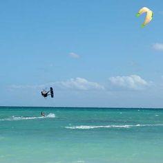 Kite surfing in San Felipe