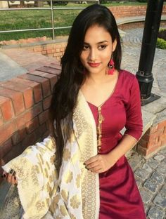 Image may contain: 1 person, outdoor Beautiful Girl Indian, Most Beautiful Indian Actress, Beautiful Girl Image, Punjabi Girls, Punjabi Suits, Punjabi Dress, Innocent Girl, Cute Girl Face, Stylish Girl Images