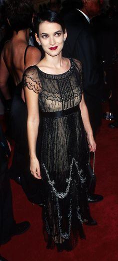 Sharon Stone at the 1997 Oscars | ... Winona Ryder, 1997: Nos encanta este vestido a lo Downton Abbey
