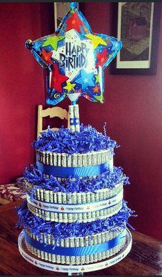Money Cake for birthday! Money Birthday Cake, Money Cake, 16th Birthday Gifts, Teen Birthday, Money Lei, Birthday Favors, Dollar Bill Cake, Birthday Surprise Boyfriend, Birthday Surprises
