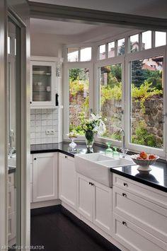 Biało-czarne wnętrza w stylu angielskim. Galeria zdjęć domu