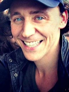 OK...I involuntarily grabbed my iPad and kissed the screen before I knew what I was doing...just, good Loki this man and his beautiful self!