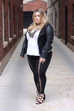Anyone else obsessed with the lace up trend? I know I am! These plus size lace up leggings from Forever 21 Plus are my fix! See more of the look on Natalie in the City!