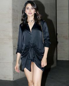 Blue World Images: Rakul Preet Singh hot figure in public Bollywood Actress Hot Photos, Bollywood Celebrities, Bollywood Fashion, Indian Celebrities, Bollywood Actors, Bollywood News, Actress Photos, Most Beautiful Indian Actress, The Most Beautiful Girl