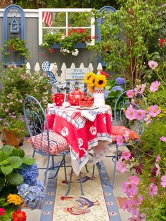 (via My Painted Garden)...(from Kj-beautiful website to see her paintings and other scenes of tablescapes and her garden...I'm impressed & I don't say that very often